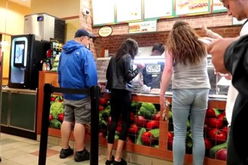 subway-customer-goes-mental-for-a-meatball-sub