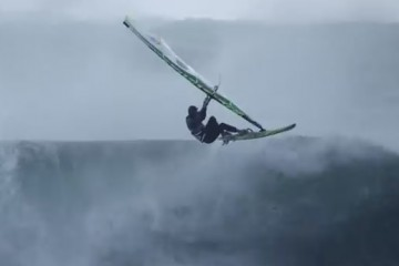 windsurfing-in-extreme-hurricane-conditions
