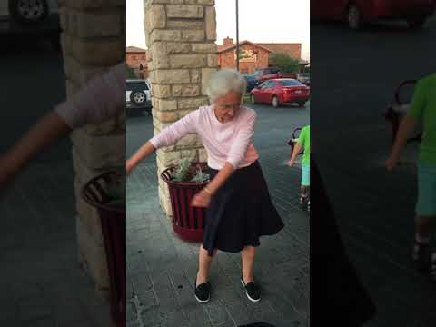 Granny Nails Floss Dance
