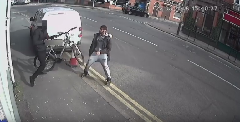 Cyclist Defends Himself from a Knife-Wielding Man