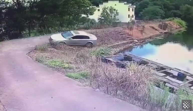 Man Escapes from River After Driving Fail