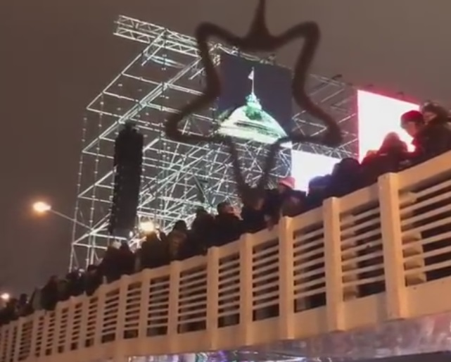 Bridge in Moscow Can't Hold Everyone