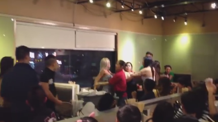Guy Throws Plate At Girl and It Shatters On Her Face During Fight at Toronto Restaurant