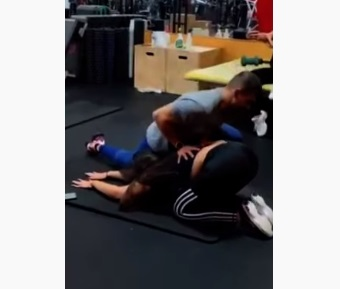 Girl At The Gym Farts Right In The Face Of Her Trainer!