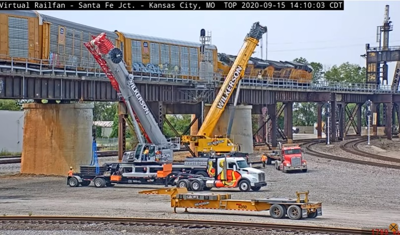 Time Lapse Video Of Derailed Train Being Removed From Santa Fe Junction
