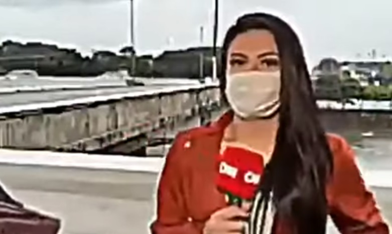 CNN Reporter At Brazil Gets Mugged At Knifepoint While Reporting
